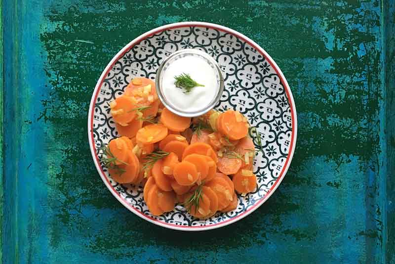Möhren-Curry mit Joghurt-Dip