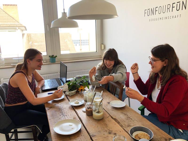 YOGUT Team verkostet vegane Joghurt Alternativen